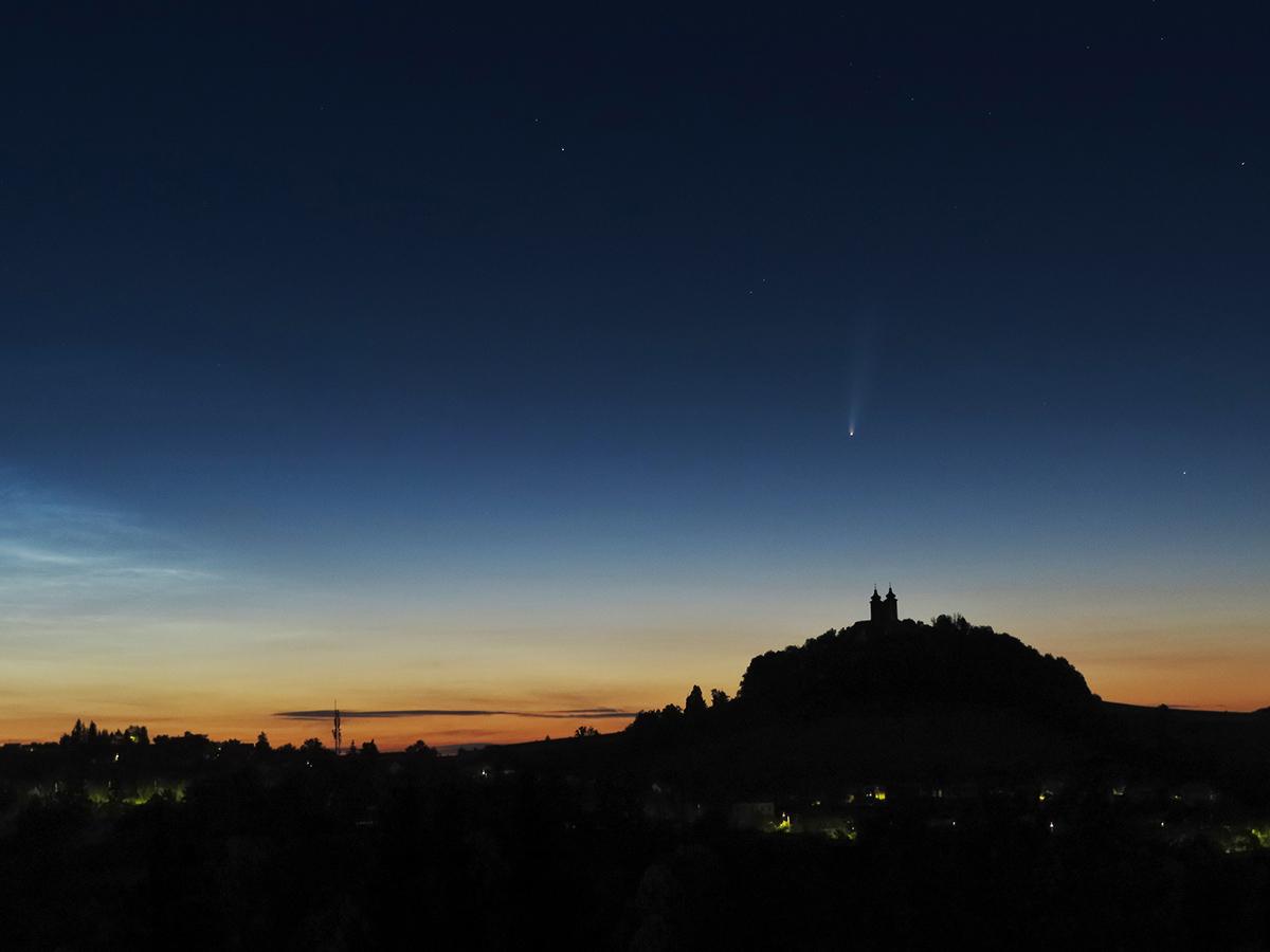 Kométa Neowise