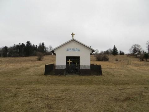 Kaplnka starých baníkov s nápisom Ave Maria