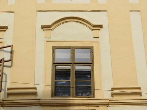 Detail okna domu č. 5