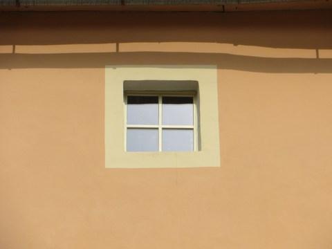 Detail okna domu č. 12