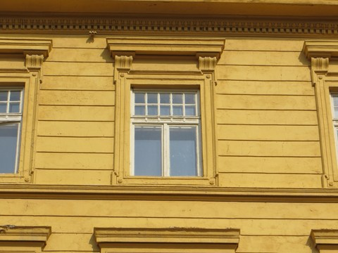 Detail okna domu č. 16