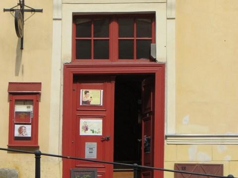 Vstupný portál domu č. 18